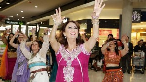 Thrill Sydney Bollywood Flash Mob with Home and Away star actor Lynne McGranger