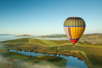 Team Building adventure hot air balooning over wine country